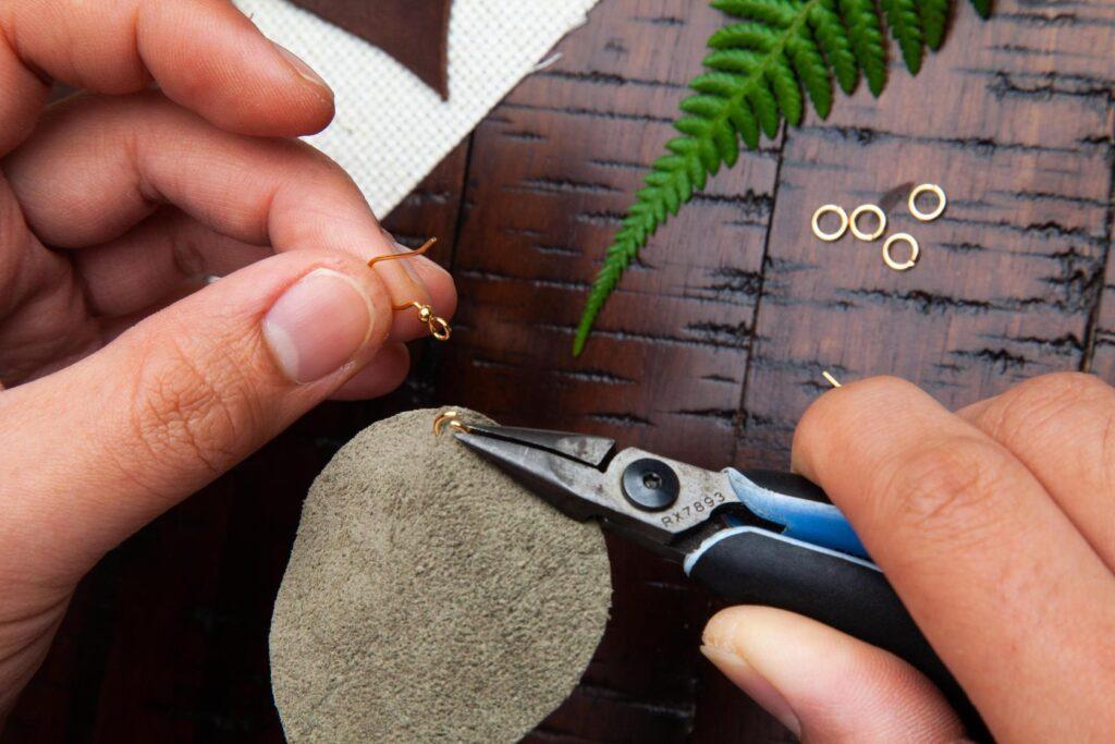 LEather Leaf Earrings Step 5B