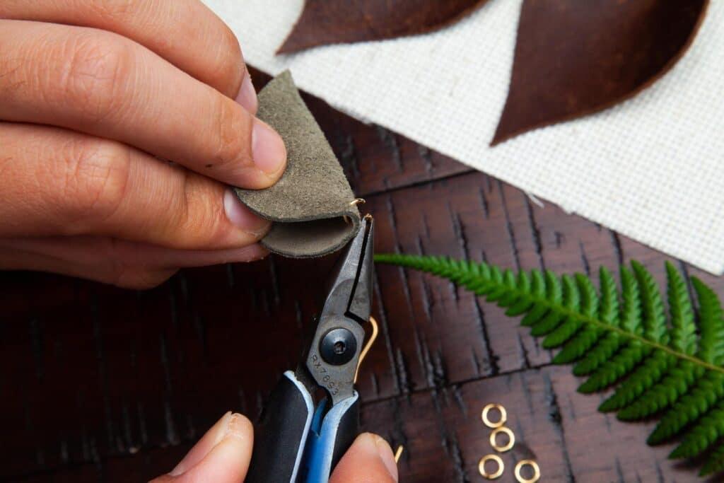 Leather Leaf Earrings Step 4C