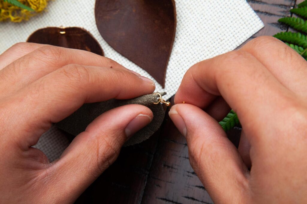 Leather Leaf Earrings Step 7A