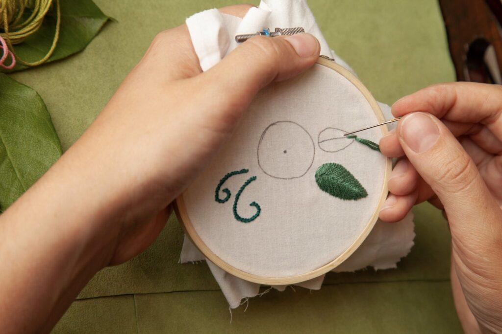 Rose Embroidered Bag Fishbone Step 3B