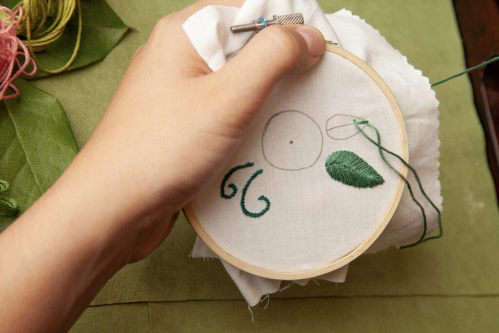 Rose Embroidered Bag Fishbone Step 3C