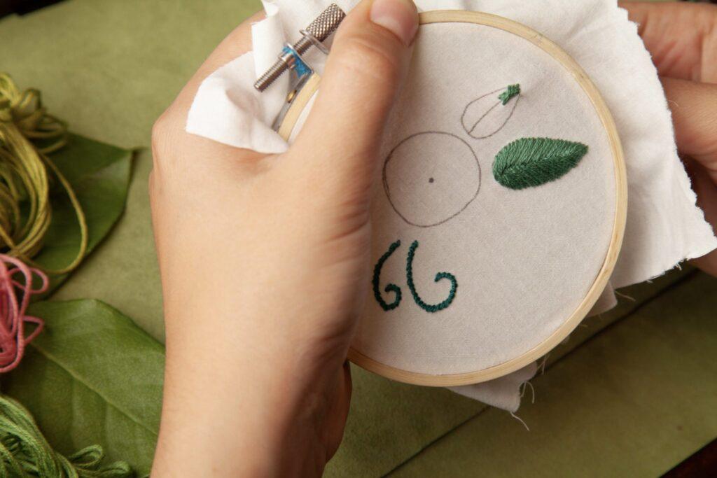 Rose Embroidered Bag Fishbone Step 5