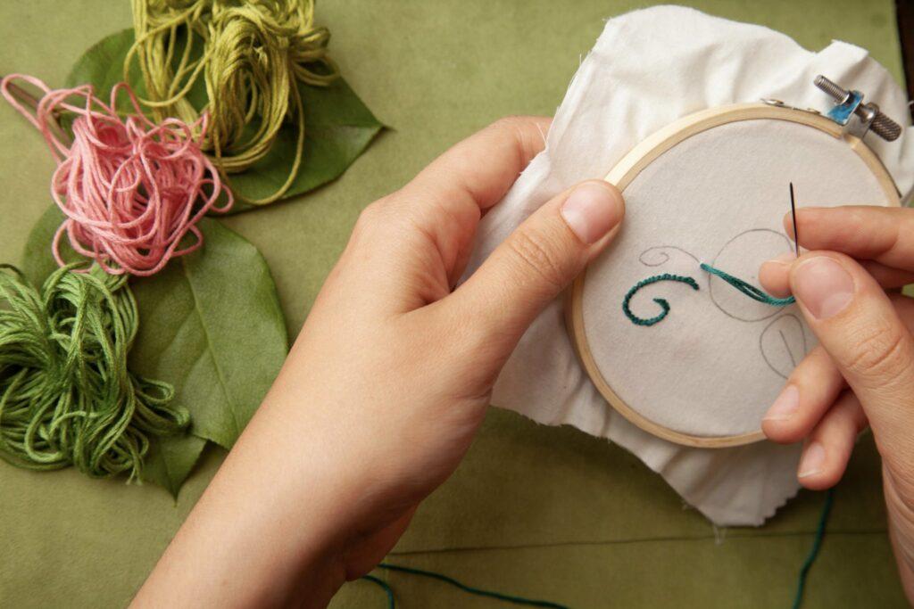 Rose Embroidered Bag Step 2