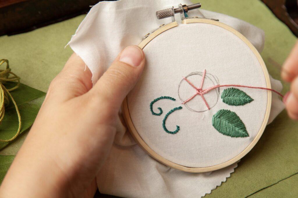 Rose Embroidered Bag Wheel Stitch Step 7C