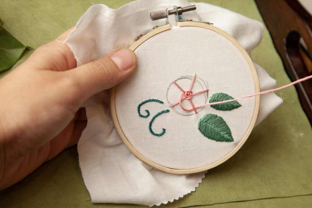 Rose Embroidered Bag Wheel Stitch Step 8