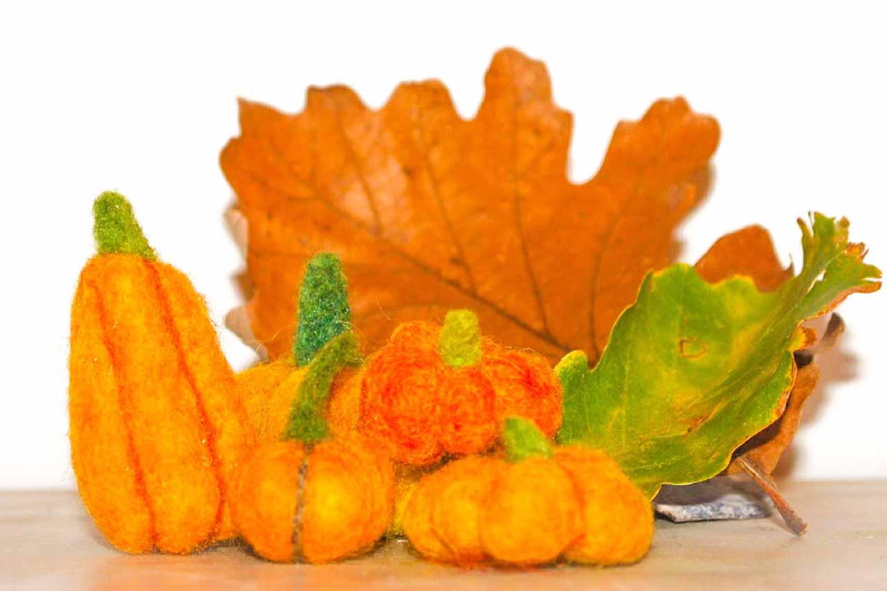 web Felt Pumpkin 4