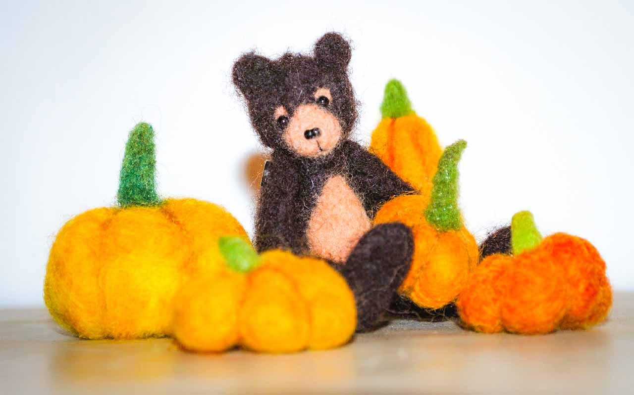 web Felt Pumpkin with bear
